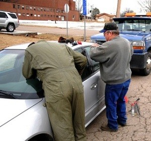 Car lockout services by Eagle's Locksmith of Cincinnati